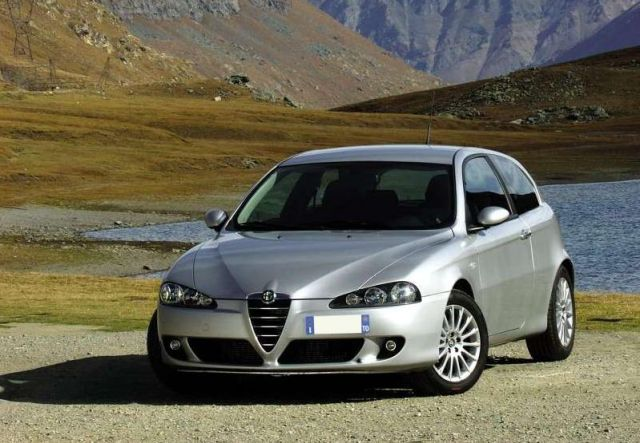 grille de calandre gris argent 06 alfa romeo 147 phase 2 du 09 2004 au 10 2010 oem. Black Bedroom Furniture Sets. Home Design Ideas